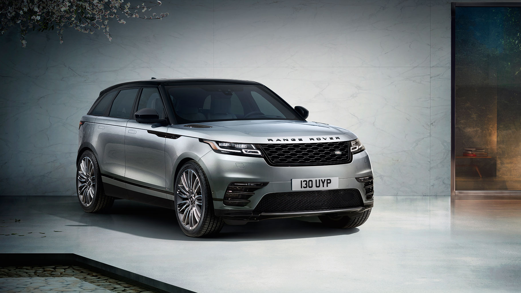 2018 range rover velar for sale chicago il new range rover velar in naperville il. Black Bedroom Furniture Sets. Home Design Ideas