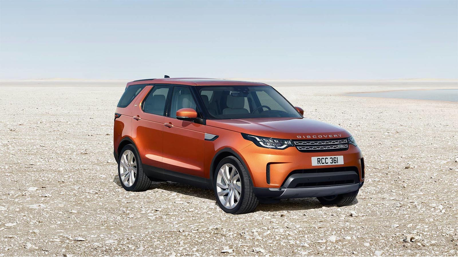 Land Rover Discovery 2017 4x4 Off-Road front 3/4 view