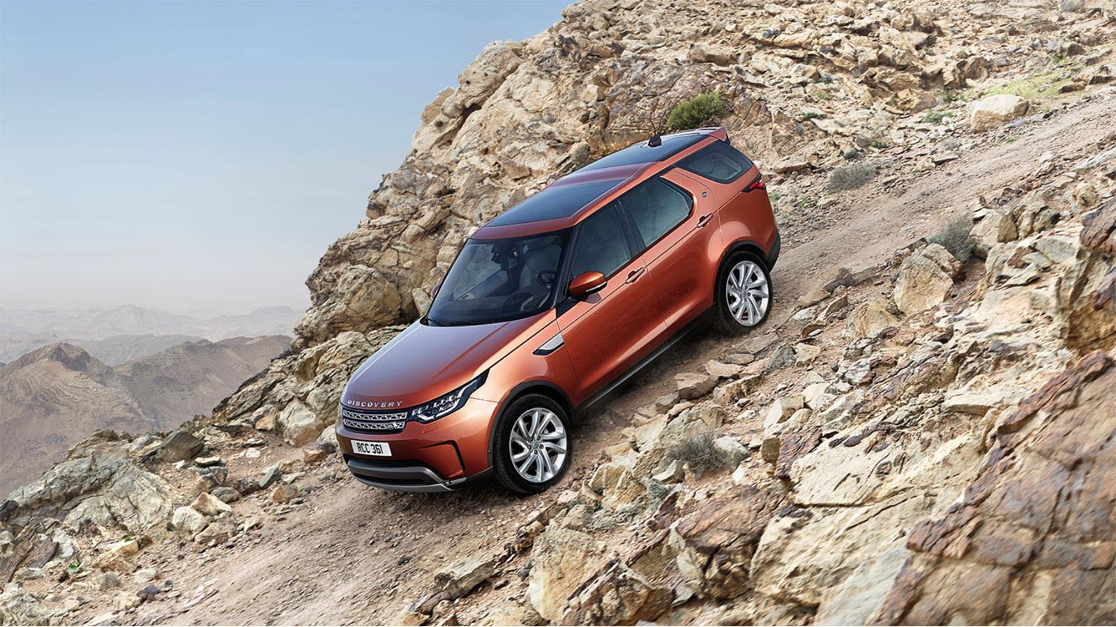 Land Rover Discovery Off-road Driving