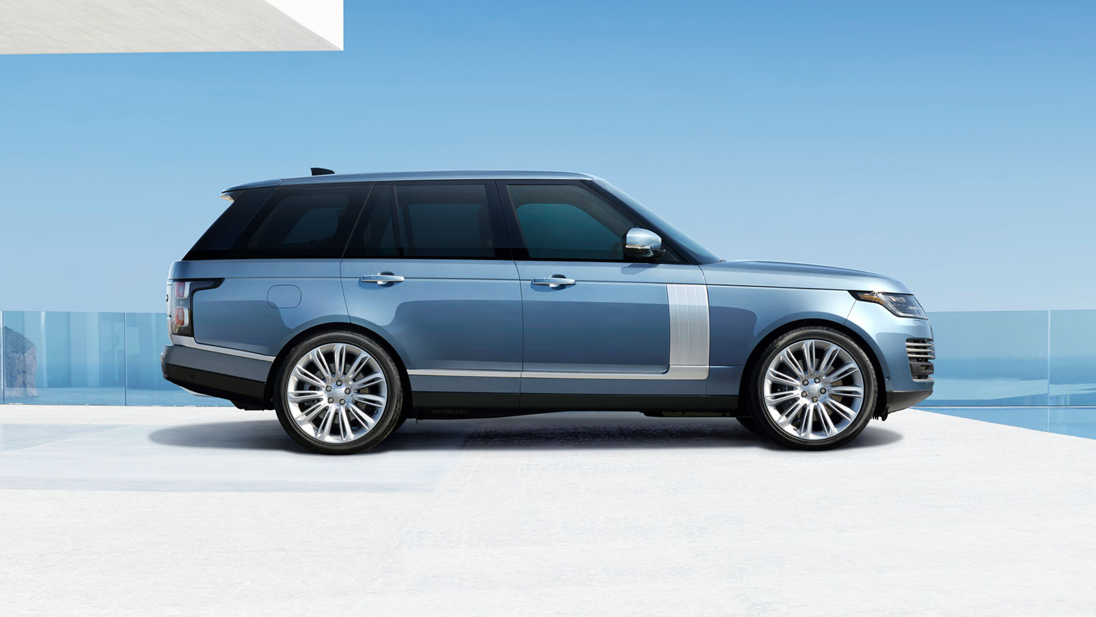 "The Range Rover Autobiography with optional 22"" 11-spoke 'Style 1046' wheels"