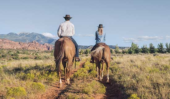 Trekking on horseback in Utah