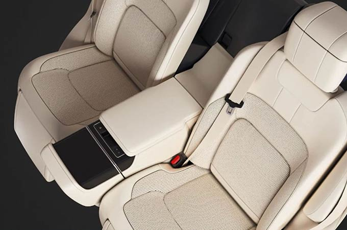 RANGE ROVER - EXECUTIVE CLASS REAR SEATS - DEPLOYABLE CENTRE CONSOLE