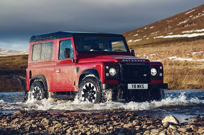 Land Rover Engine Conversions >> Defender Works V8 70th Edition