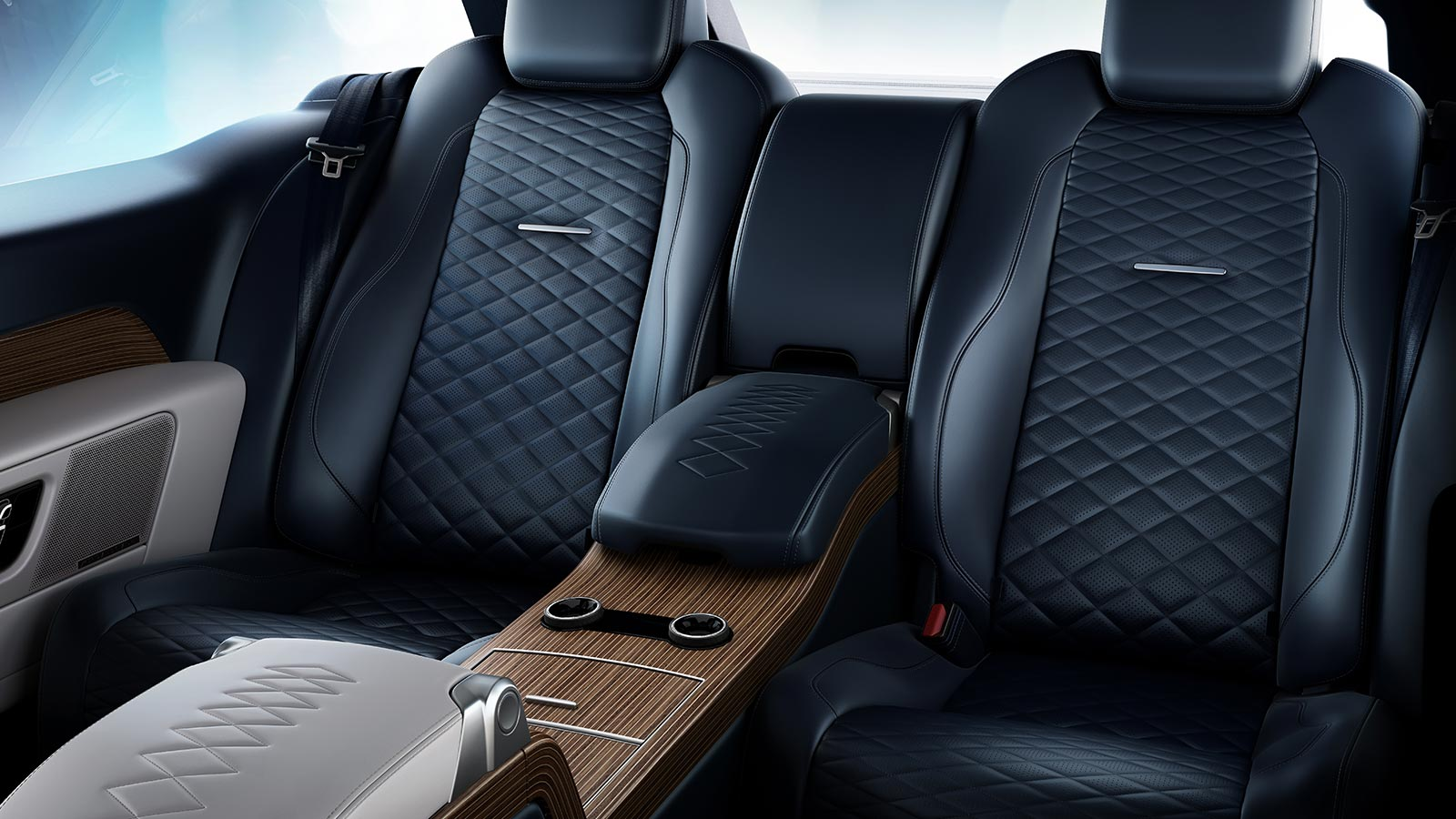 The Range Rover SV Coupe rear seats in Eclipse with unique Diamond Quilted design