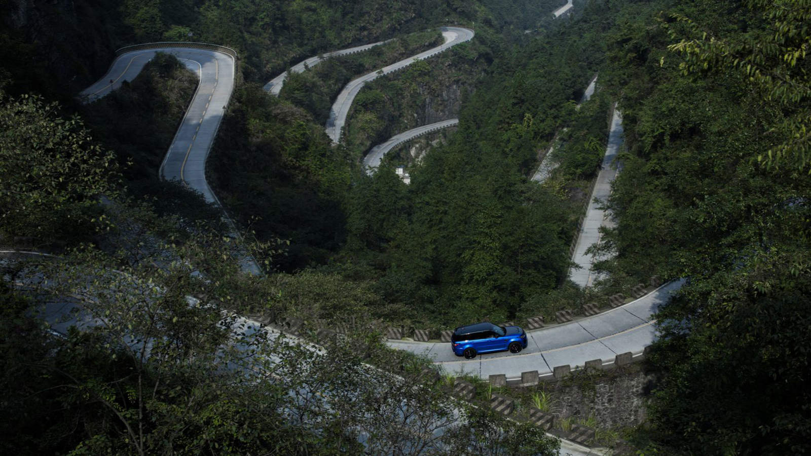 Range Rover Sport SVO on Tianmen Road