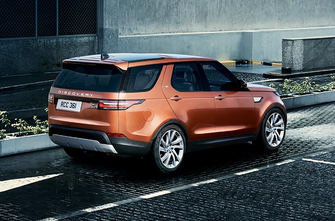 Land Rover Discovery Off-Road SUV