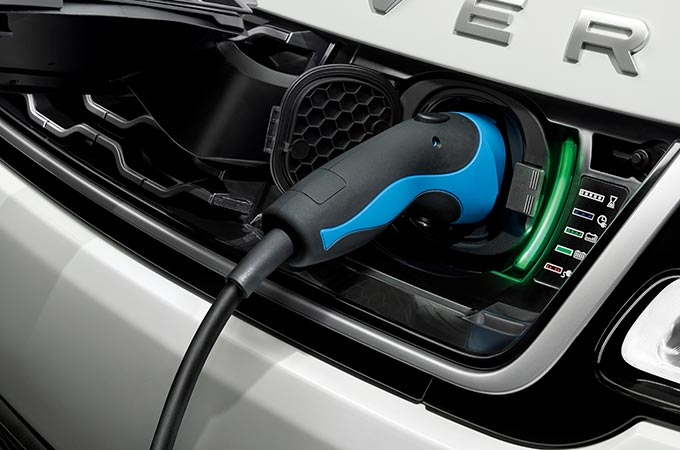 Land Rover - Innovating in Electric Vehicles