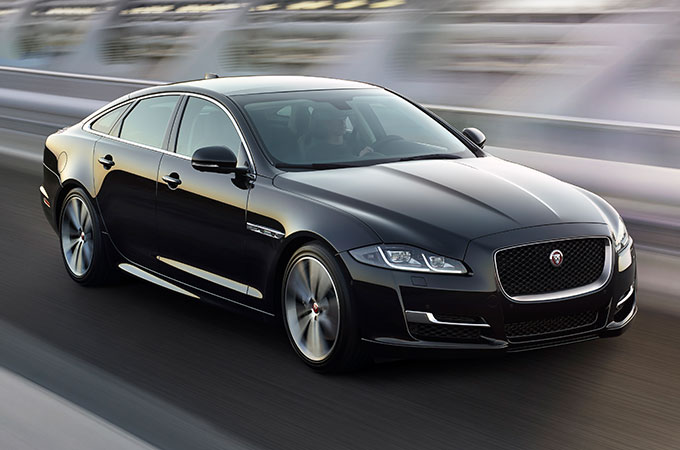 Jaguar XJ Spacious Luxury Saloon
