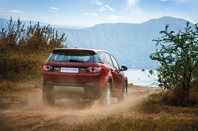 Discover Wai with Land Rover Discovery Sport
