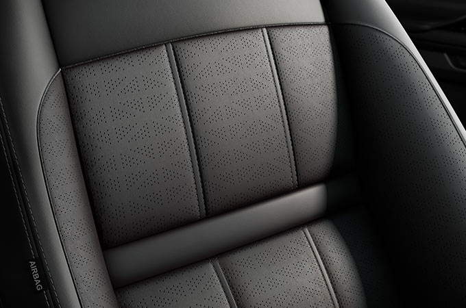 New Range Rover Evoque New seating with a range of materials.