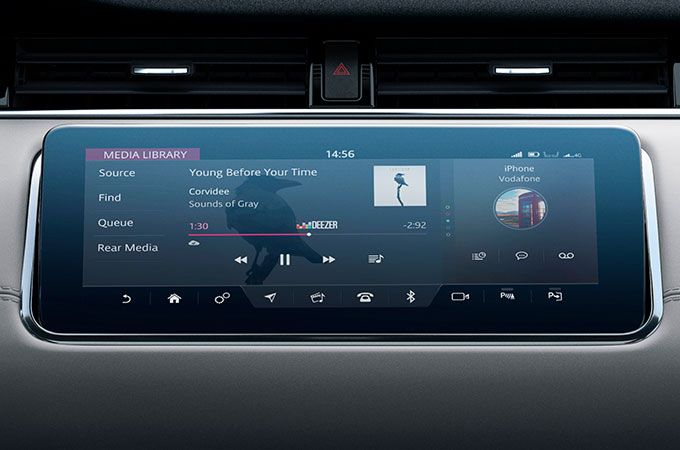 New Range Rover Evoque Touchscreen with Online Media.