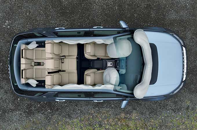 Overhead view of Discovery Sport Airbag safety feature.