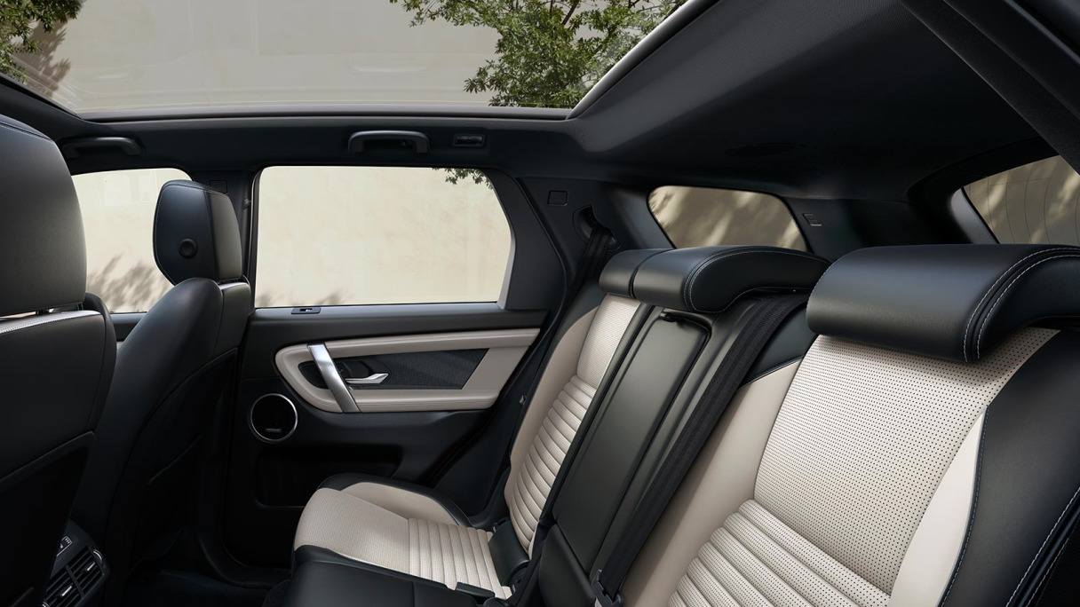 Discovery SPort Panoramic Roof.